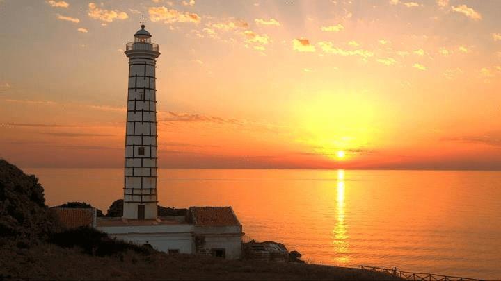 ustica tramonto al faro